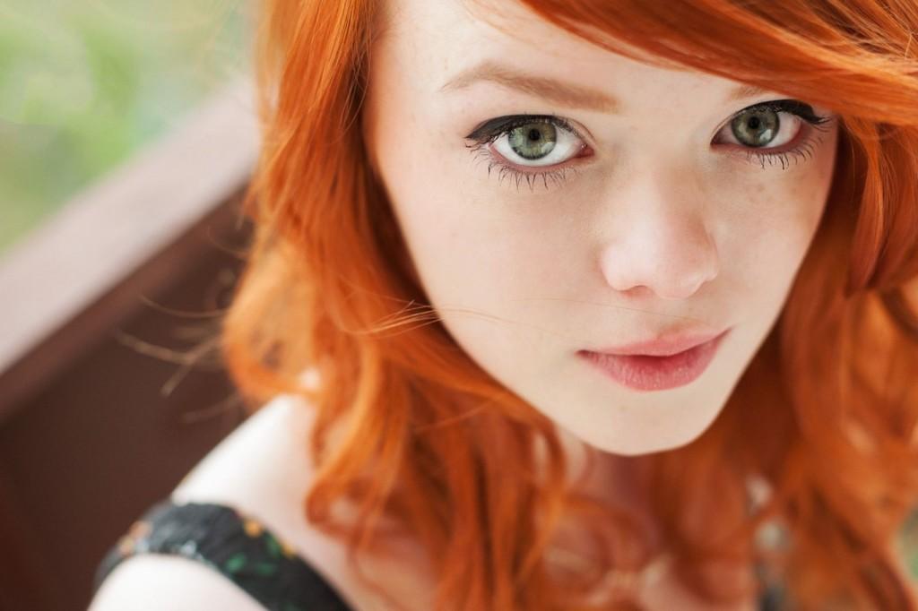 """Тип """"Осень"""": рыжие волосы, зелёные глаза"""