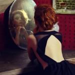 Почему нельзя смотреть в зеркало когда плачешь?