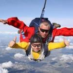 Сколько стоит прыжок с парашютом?