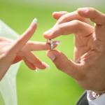 Можно ли носить кольцо на безымянном пальце?