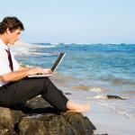 Через какое время после устройства на работу можно взять отпуск?