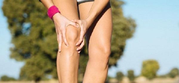 Біль в коліні при присіданні і вставанні