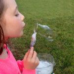 Как сделать домашние мыльные пузыри, которые не лопаются?