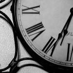 Почему часы умершего человека останавливаются?