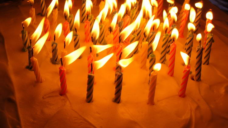 birthday-wallpaper-holidays-cream-colored-pictures-candles