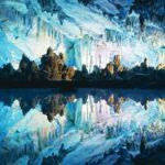 сталагмиты и сталактиты в пещере шульганташ