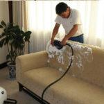 Как чистить диван в домашних условиях (+ видео)