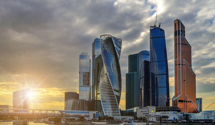 Потрясающий небоскреб, взмывающий в небо, находится в составе Московского международного делового центра.