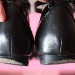 Почему стирается пятка на обуви?