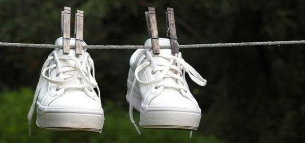 dry your soaking wet shoes faster without shrinking them dryer.1280x600 e1500044833862 - Можно ли стирать дутики стиральной машине? какую обувь можно стирать, подготовка к стирке, машинная стирка, просушка, особенности стирки бутиков