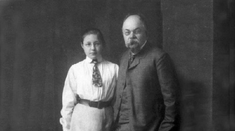 16-летняя Марина Цветаева с отцом