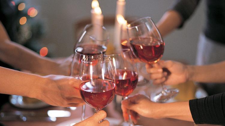Можно ли пить алкоголь после ботокса? Спиртное и ботокс: токсическая смесь, немного сопутствующей информации, как готовиться к процедуре, ограничения после Ботокса