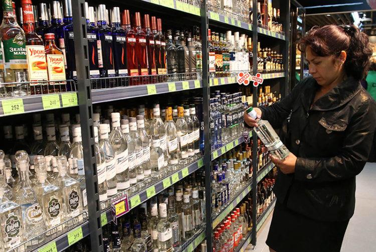 Со скольки часов продают алкоголь в санкт петербурге
